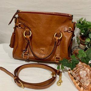 Like new, Dooney & Bourke purse